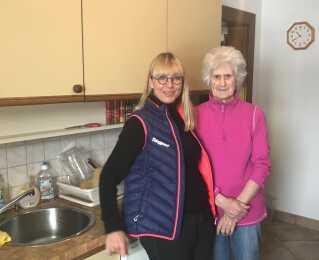 Dorthe Helledie har fået en ny hjerteveninde i 84-årige Lizzy, der er søster til morgenmadpensionens oprindelige ejer, den nu 90-årige Therese.