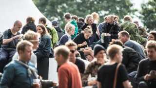 Sidste år spiste festivalens gæster 681.924 kilo mad, hvilket svarer til vægten af 758 personbiler. Velbekomme.