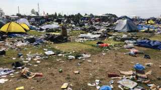Mange forlader deres telte, som om de bare var gået til koncert. Indleverer man selv sit telt til Camp Aid, bliver det sendt til flygtninge i Syrien, hjemløse i Danmark eller andre steder, hvor det kan gøre gavn. Hvis ikke kommer en bulldozer og tager det.