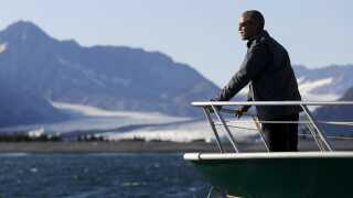 USA's præsident, Barack Obama, har betegnet klimaforandringerne som den største trussel mod verden. Her er præsident i Alaska, hvor flere gletsjere er ved at smelte væk.