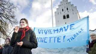 Demonstration ved Vig Kirke ved Nykøbing Sjælland den 29. november til fordel for reinkarnationspræst Annette Berg, der var fritaget for tjeneste. Demonstranterne ønskede hende tilbage i tjenesten.