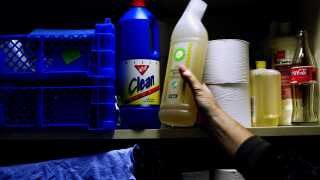 I mange hjem er citronsyre en fast del af rengøringsmidlerneda, da det bliver brugt til at afkalke.