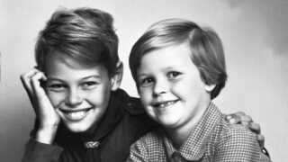 Ulf Pilgaard - her med sin søster Lene Blak i 1950' erne - fandt allerede ud af som barn, at han kunne få folk til at grine.