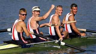Søren Madsen, Thomas Ebert, Eskild Ebbesen og Victor Feddersen (set fra venstre) efter tredjepladsen ved OL i 2000.