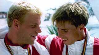 Christian Frederiksen (til venstre) og Arne Nielsson efter medaljeceremonien ved OL i Barcelona.