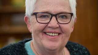 Inge er med sine 65 år den ældste deltager i Bagedysten nogensinde.