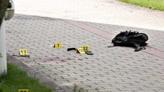 Effekter i forbindelse med anholdelsen i Tårnby af den mistænkte i Christiania-skyderiet. Den formodede gerningsmand blev skudt under anholdelsen og døde i nat.