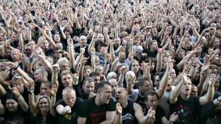 Det var dette begejstrede publikum, der mødte Volbeat, da bandet første gang varmede op for Metallica en sommerdag i 2007 i Aarhus.
