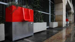 De to første offentlige toiletter er netop blevet sat op på banegården Paris Gare de Lyon.