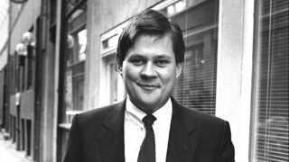 Selskabstømmeren Bjørn Stiedl blev dømt  for skyldnersvig, da han i 2012 søgte om gældssanering. Han oplyste at eje beskedne 30.000 kroner – mens han skyldte Skat 81 millioner kroner. Sporingsgruppen havde i forvejen mistanke om, at Stiedl havde store beløb opsparret på konti i Schweiz, Jersey, Lichstenstein, Frankrig, Spanien og Luxembourg for et tocifret millionbeløb. De penge blev opsporet og beslaglagt - sammen med en lejlighed i Barcelona med danske designermøbler og dansk kunst. Bjørn Stiedl blev idømt 3,5 års fængsel.