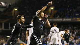 Qarabags neutraliserede brasilianer Richard Almeida fejrer en scoring mod Tottenham på White Hart Lane i Europa League-gruppespillet i 2015.