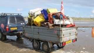 På under et år har Peter Michelsen samlet mere end otte tons affald sammen på Fanøs strande.