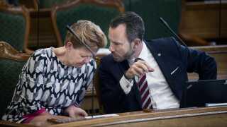 Venstres Eva Kjer Hansen har meddelt sin folketingsgruppe, at hun stemmer imod et lovforslag, der vil forbyde burka og niqab.