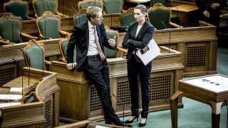 Kristian Thulesen Dahl (DF) og Mette Frederiksen (S) under Folketingets åbningsdebat. Begge partier går nu ind for at forbyde burka og niqab.