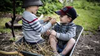 Børn uden iPads i Børneøen Bonsai, et Rudolf Steiner børnehus med vuggestue og skovbørnehave.