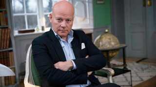 I ti år har Thomas Blachman lært fra sig som dommer i X Factor. I et helt nyt program på DR fortsætter han med at undervise den danske ungdom.