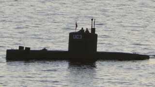 Peter Madsen og Kim Wall i ubådens tårn den 10. august 2017.