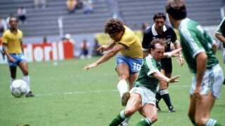 ZIco i aktion mod Nordirland ved VM i 1986.