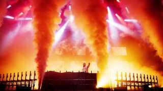 Der var hverken sparet på pyroteknik, lyseffekter eller andet storslået sceneudstyr, da Tiësto indtog Fyn natten til søndag.