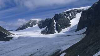 Kebnekaise hvis nordspids overhaler sydspidsen som Sveriges højeste punkt.