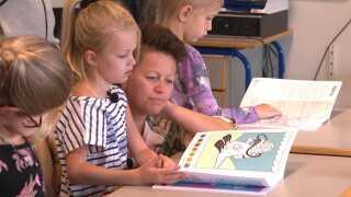 Joan og Johanne Vangsted på første skoledag i år.