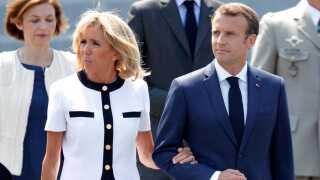 Den franske præsident vil blandt andet tale EU-reformer med sin danske kollega. Men de to er langt fra enige om kursen.