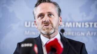 Udenrigsminister Anders Samuelsen (LA) vil kun støtte genopbygningen af Syrien, hvis præsident Assad bliver fjernet fra magten.