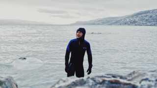 - Svømmedelen er klart min største bekymring. Ved løb tager jeg bare nok varmt tøj på og ved cykling er det klart, hvordan det er i forhold til set-up'et. Ved svømmedelen er det jo så koldt, og så er der også rovdyr som søleoparder.
