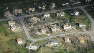 (Arkiv) Et billede fra ødelæggelser, da en tornado ramte Canada i september. Vejrfænomener som dette kan vi forvente at få mere af i fremtiden. (Foto: Sean Kilpatrick © Scanpix)