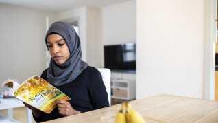 Hun fået større overskud til at læse. Ved siden af sine kandidatstudier på Syddansk Universitet arbejder Amira Ibrahim desuden på at udvikle sin egen platform målrettet kvinder med minoritetsbaggrund.