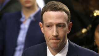 """Tidligere Facebook-chef Chamath Palihapitiya beskyldte sidste år CEO Mark Zuckerberg (billede) og resten af Facebook for at """"skabe redskaber, der er ved at ødelægge grundlaget for, hvordan samfundet virker""""."""