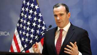 Brett McGurk trådte tilbage få dage efter Donald Trump meddelte, at USA trækker sine styrker fra Syrien.