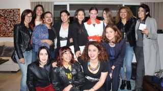 - Den 8. marts, på kvindernes internationale kampdag, havde vi et stort job på en klub i Tunesien, hvor alle vores dj-studerende fik lov til at spille et set, og så spillede jeg og to kvindelige tunesiske dj's. Det var super fedt, siger Tia Korpe.