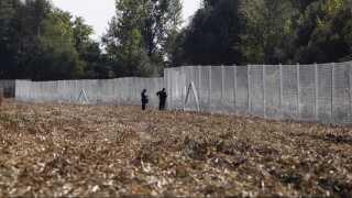 Da flygtningekrisen var på sit højeste, byggede Viktor Orbán et hegn langs grænsen mod syd for at holde migranter og flygtninge ude.