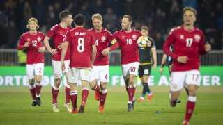 Det danske landshold har haft væsentligt mere tid til at lade op til kampen end modstanderen, Schweiz.