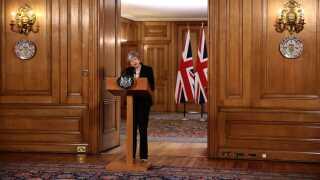 Theresa May meddeler, at hun er klar til at bede om yderligere udsættelse af brexit.