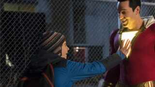 Filmen handler om 14-årige Billy, der pludselig bliver udstyret med superkræfter. Hvad stiller en 14-årig op med en håndfuld superkræfter, som han ikke har fået en brugsanvisning til? Kan han flyve? Kan han lave lyn? Se gennem ting?