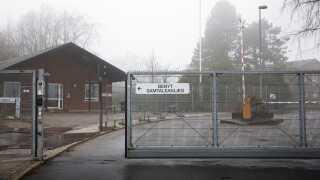 Udrejsecenter Sjælsmark er en gammel kaserne, der ligger tæt op ad et militært øvelsesterræn.