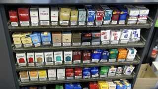 I 2018 blev solgt 850 millioner færre cigaretter end året forinden. Det kan blandt andet skyldes, at flere supermarkeder ikke længere har cigaretterne stående fremme.