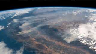 Her en skovbrand, der raser gennem store dele af Californien. Delstaten blev i 2018 ramt af de dødeligste skovbrande i dens historie.