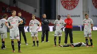 Skuffede FC Midtjylland-spillere fordøjer finalenederlaget til FC Nordsjælland i 2011. Et nederlag, der blev FC Midtjyllands fjerde i fire finaler. Også Ikast FS tabte før fusionen de tre finaler, holdet spillede.