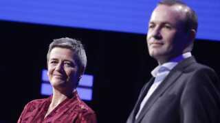 Margrethe Vestagers gruppe, ALDE, er gået frem - i modsætning til EPP-gruppen, som Manfred Weber leder.