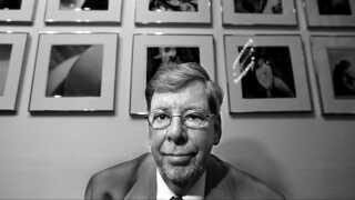 Ole Ege var en af pionererne i den danske pornoalder, og han lavede blandt andet filmen, der gjorde Bodil Joensen verdenskendt som ornepigen Bodil.