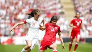 Sofie Junge havde svært ved at holde kadencen mod England.