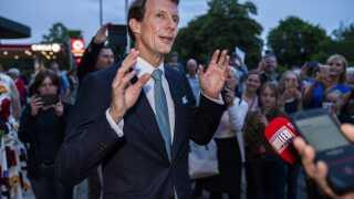 Prins Joachim begyndte at fejre sin 50-års fødselsdag allerede 3. juni med en stor koncert på Bellevue Teatret i Klampenborg, hvor kunstnere optrådte med musik, der afspejlede prinsens smag for både klassisk og moderne musik.