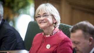 Pia Kjærsgaard har erkendt, at hun ikke kan fortsætte som Folketingets formand efter folketingsvalget.