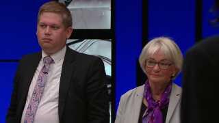 Pia Kjærsgaard (th.) og Rasmus Paludan (tv.) er to af de politikere, der har brugt udtrykket 'udskiftning' som et billede på, hvad de mener, der kommer til at ske henad vejen, efterhånden som antallet af muslimer - efter deres vurdering -  vil stige. Her til en af valgdebatterne under valgkampen 2019.