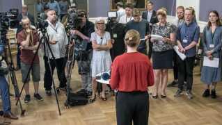 Ved midnatstid præsenterede Mette Frederiksen (S) aftalen, der bliver rettesnoren for en ny regerings arbejde i de kommende år.