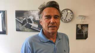 Læge Roald Angen er tilfreds med den digitale løsning på en konsultation.