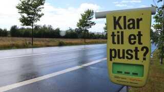 Klar til et pust? Står der på denne plakat, som er lavet i samarbejde med Rådet for Sikker Trafik, Trygfonden og 72 kommuner.